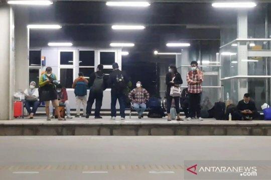 Penumpang apresiasi pemindahan ke stasiun dari Gambir ke Jatinegara