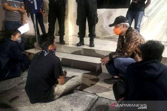 Ganjar datangi pendemo UU Cipta Kerja di Mapolres Semarang