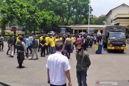 Polisi tangkap 209 orang hari kedua unjuk rasa di DPRD Jawa Barat