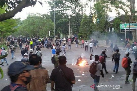 Polisi sebut perusuh aksi di Bandung bukan mahasiswa atau buruh