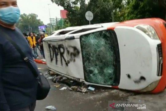 Polisi tetapkan dua tersangka dalam unjuk rasa yang ricuh di Palembang