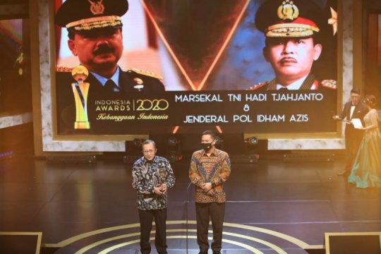 Panglima TNI dan Kapolri raih penghargaan di Indonesia Awards 2020