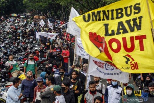 Aksi tolak Undang-undang Cipta Kerja di berbagai daerah