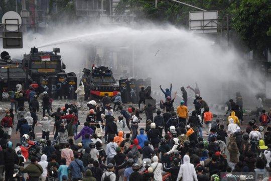 Aksi tolak Undang-undang Cipta Kerja di Jakarta