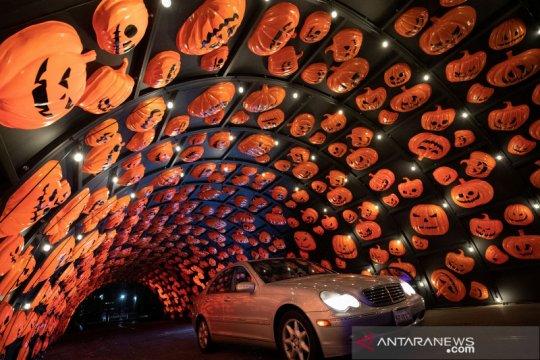 Berkendara sambil merasakan sensasi Halloween di Los Angeles