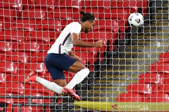 Gol debut Inggris buat Calvert-Lewin naik kelas, kata Southgate