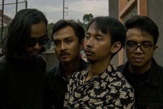 Musisi asal Bandung ciptakan lagu gambarkan situasi COVID-19