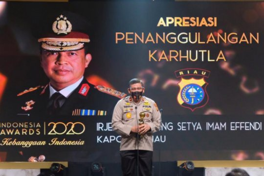 Kapolda Riau raih Indonesia Awards tangani karhutla dengan teknologi