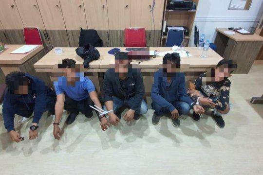 Polisi tangkap 69 pemuda bawa sajam hendak menyusup ke pendemo