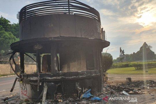 6 Pos Polisi milik Polrestro Jakpus rusak akibat aksi massa