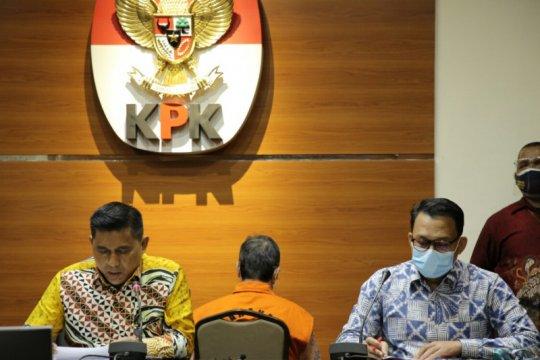 KPK menahan tersangka kasus RS Unair Bambang Giatno Rahardjo