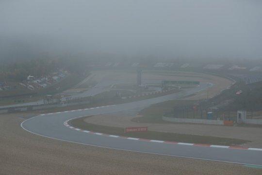 Dua sesi latihan bebas GP Eifel batal digelar karena cuaca buruk