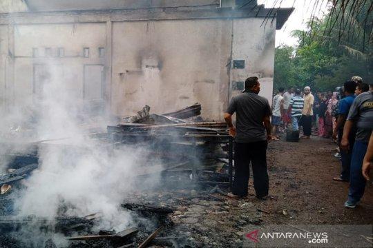 Rumah kades di Banda Aceh terbakar, dua mahasiswi Akper meninggal