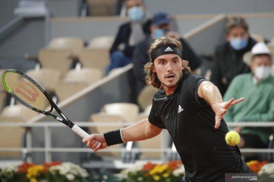 Tsitsipas khawatirkan cedera saat berlaga dalam ATP Finals