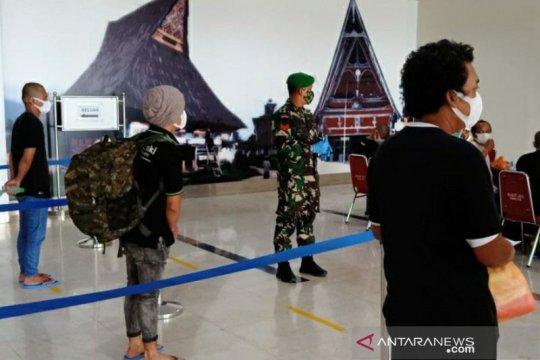 200 WNI dari Malaysia jalani protokol kesehatan di bandara Kualanamu