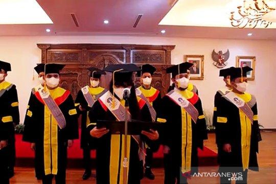 Universitas Terbuka wisuda 19 pekerja migran di Korea Selatan