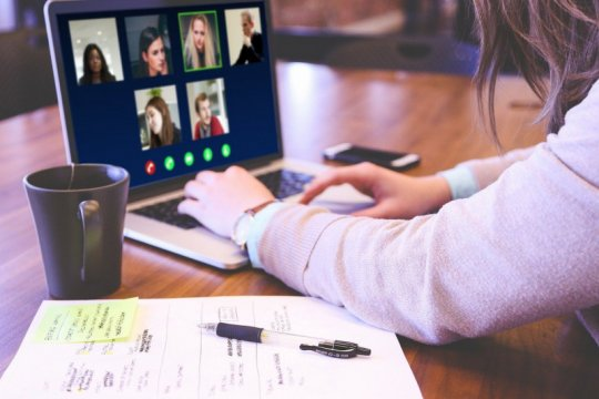 Gugah kesadaran kesehatan mental dan ruang cerita lewat konten digital
