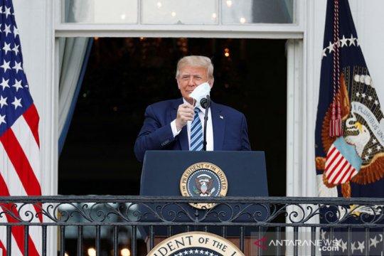 Trump lanjut kampanye di Gedung Putih dan Florida meski kena COVID-19