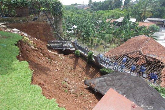 Pengembang segera dipanggil DPRD DKI terkait longsor di Ciganjur