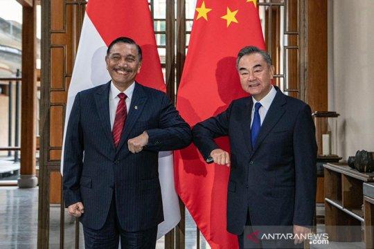 Kemarin, Luhut bertemu Menlu China hingga program kemitraan UMKM