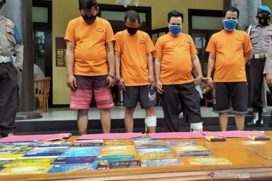 Polrestabes Bandung tembak dua pelaku pencurian modus ganjal ATM