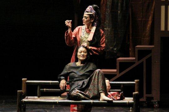 """Padusi"", pementasan dengan unsur kebudayaan Minang"