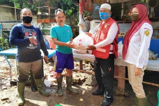 PMI Jaksel salurkan 600 makanan untuk korban banjir di Ciganjur