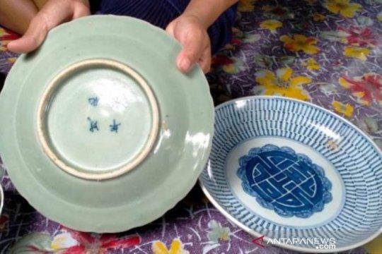 Gunung Mas teliti penemuan benda cagar budaya keramik China