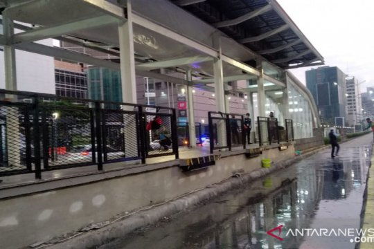 PSBB transisi, TransJakarta layani pelanggan hingga pukul 22.00 WIB