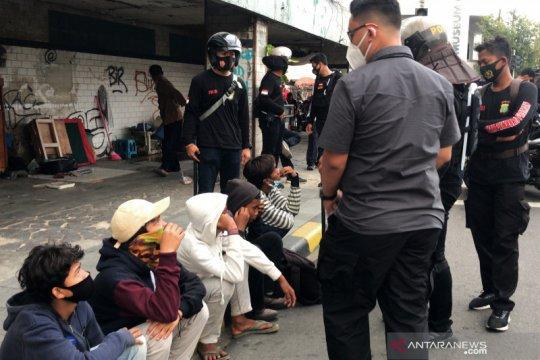 Polisi amankan lima remaja di Jalan Pintu Besar Selatan