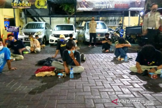 Diduga terlibat aksi, 27 pelajar diamankan Polsek Tambora