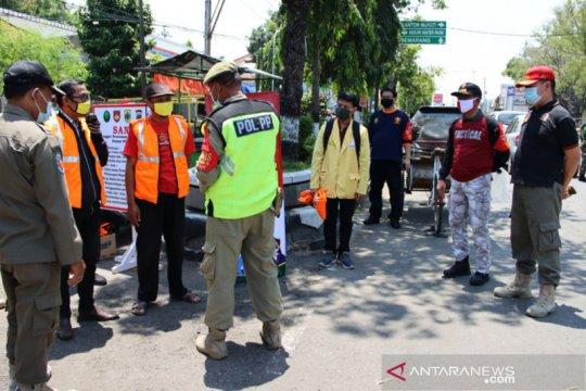 Petugas gabungan giatkan penegakan protokol kesehatan di Jateng