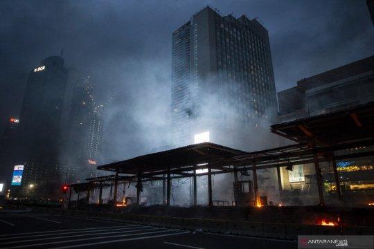 Sepekan, pembakar halte TransJakarta hingga jenazah Cai Changpan