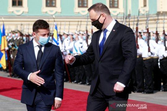 Presiden Polandia positif COVID-19