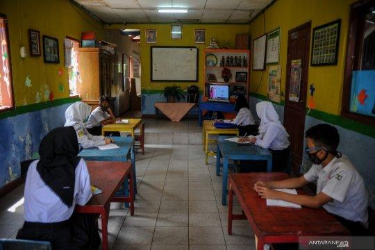 Survei: 76 persen guru khawatir kembali ke sekolah