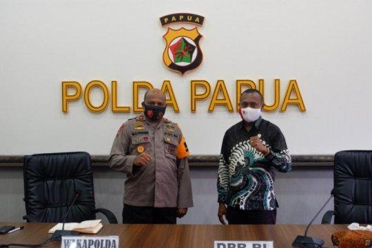 Anggota DPR Yan Mandenas ketemu Wakapolda Papua bahas isu kekinian