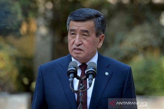 Presiden Kyrgyzstan Jeenbekov mundur pascakerusuhan