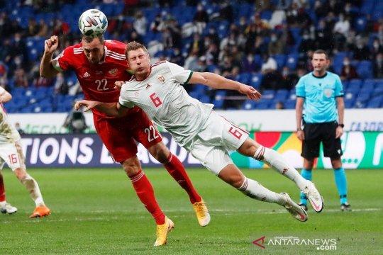 Rusia pertahankan puncak klasemen setelah tim-tim B3 berbagi poin