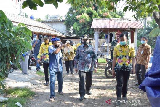 Pembangunan di bantaran Kali Sekretaris Jakbar diminta dihentikan