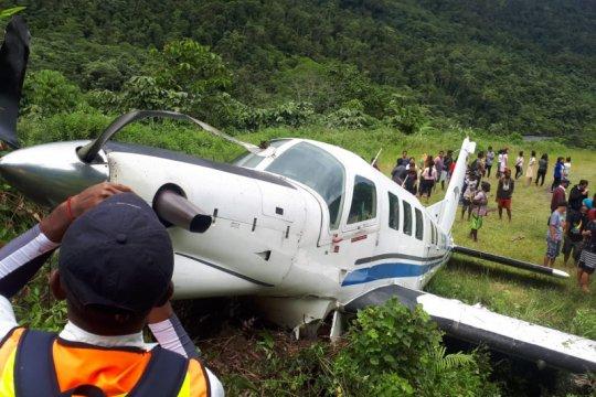 Pesawat Tariku tergelincir di Bayabiru Paniai