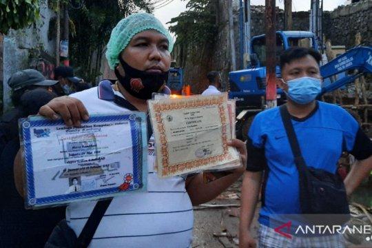 Longsor dan banjir Ciganjur rusak sejumlah dokumen kependudukan warga