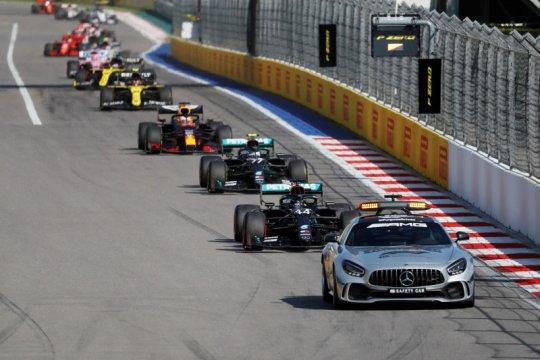 CEO Daimler tetap berkomitmen di F1, berupaya memangkas biaya