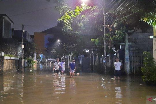 Kemarin, banjir hingga kebakaran di Jakarta