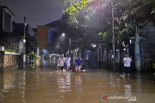 BPBD DKI catat 30 RT dan 25 ruas jalan tergenang akibat hujan Jumat