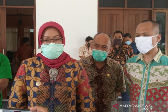 Warga kena PHK di Bogor dapat bantuan Rp2,5 juta