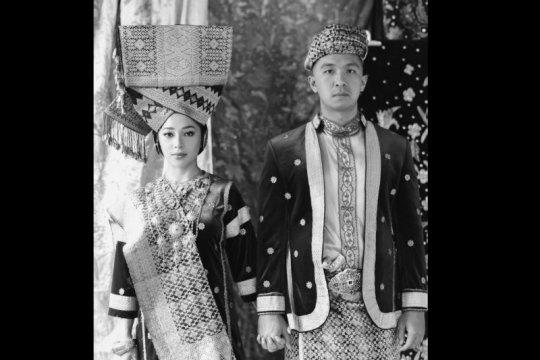 Nikita Willy dan Indra Priawan sah berstatus suami-istri