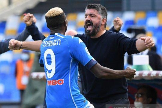 Napoli tampil gemilang di babak pertama untuk menang 4-1 atas Atalanta