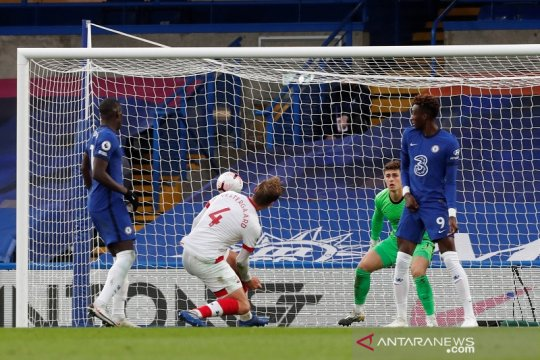 Southampton curi satu poin dari Chelsea