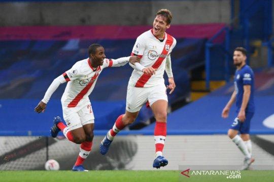 Liga Inggris:  Southampton tahan imbang Chelsea 3-3