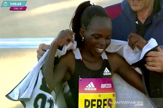 Pelari Kenya Jepchirchir pecahkan rekor dunia half marathon putri